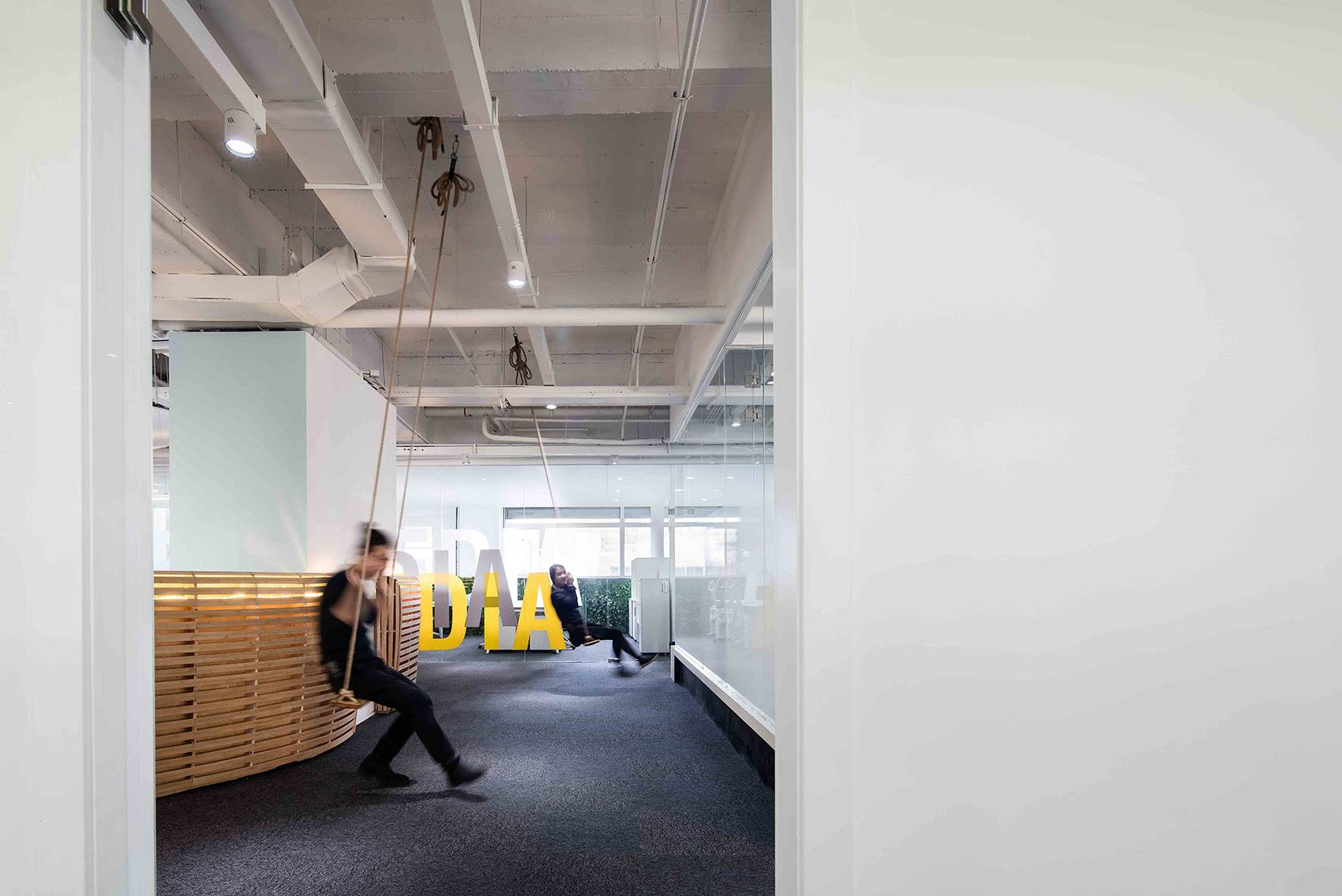 北京十月初五影视传媒办公空间环境设计