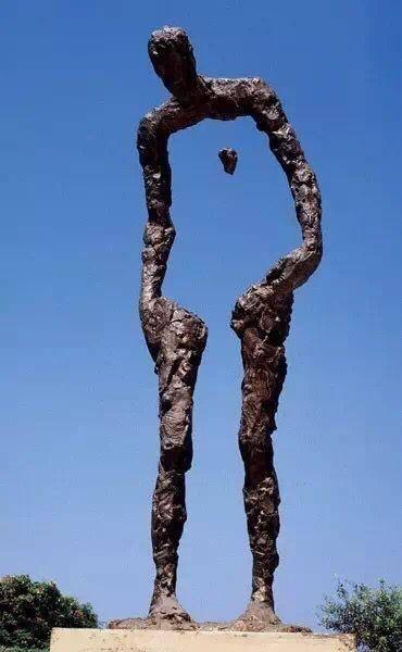 创意人形雕塑